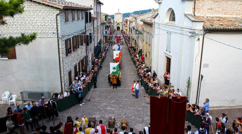 Serra Sant'Abbondio, il Palio della Rocca festeggia 30 anni
