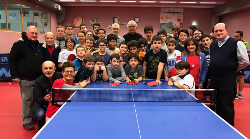 SENIGALLIA / Il vescovo Manenti al Centro Olimpico incontra la grande famiglia del tennistavolo