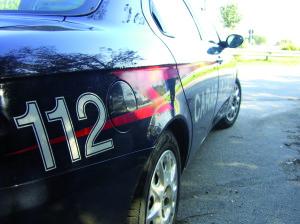 Ubriaco minaccia gli agenti della polizia municipale, arrestato