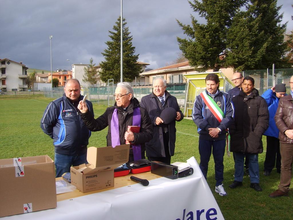 La Banca Popolare Valconca dona un defibrillatore