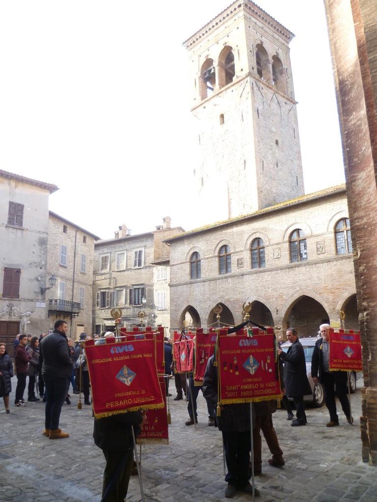 Una Cattedrale gremita per l'ultimo saluto al professor Vanni