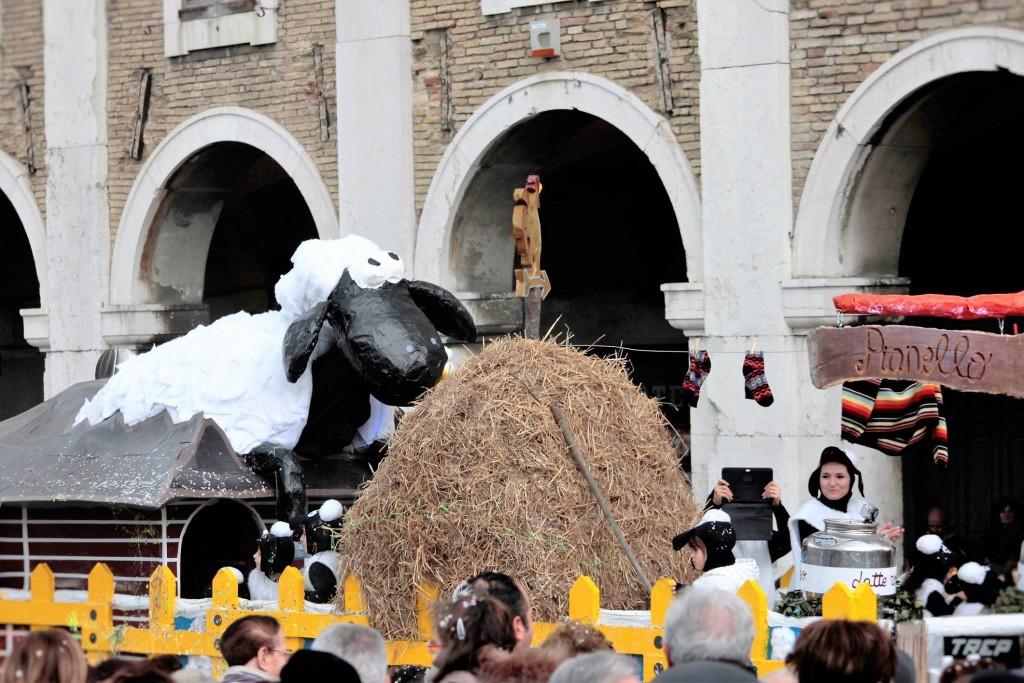 Salutiamo l'edizione n. 34 del Carnevale di Senigallia