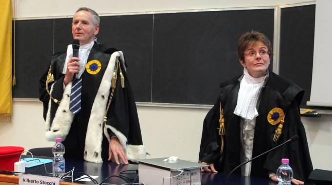 La scienziata e senatrice a vita Elena Cattaneo con il magnifico rettore dell'Ateneo di Urbino