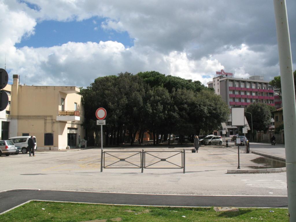 Senigallia, no ai parcheggi al posto del verde pubblico