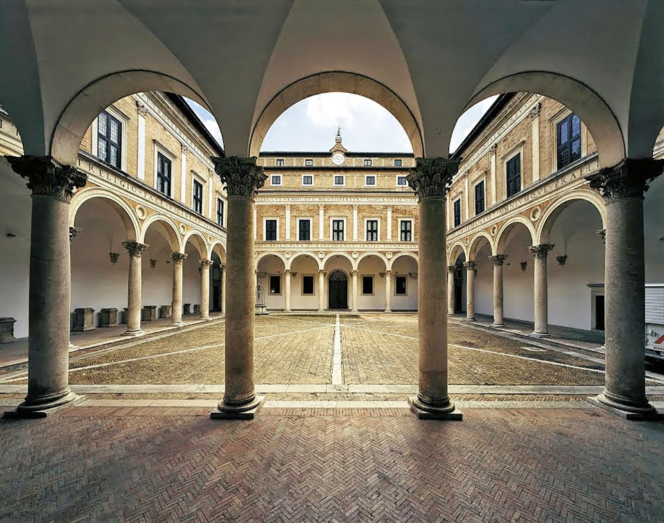 Musica intarsiata lunedì mattina ad Urbino