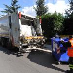 La raccolta dei rifiuti a Jesi, le rassicurazioni del sindaco non bastano più