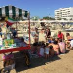 Sulle spiagge di Senigallia torna la Bibliomobile