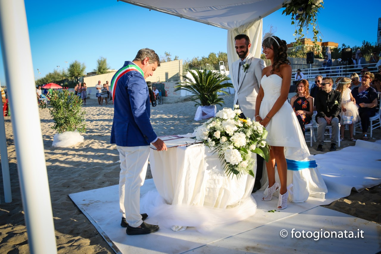 Matrimoni Vip Spiaggia : Matrimoni sulla spiaggia ew regardsdefemmes