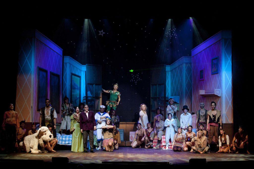 """SENIGALLIA / Con il musical """"Peter Pan"""" parte la stagione 2016-2017 del teatro La Fenice"""