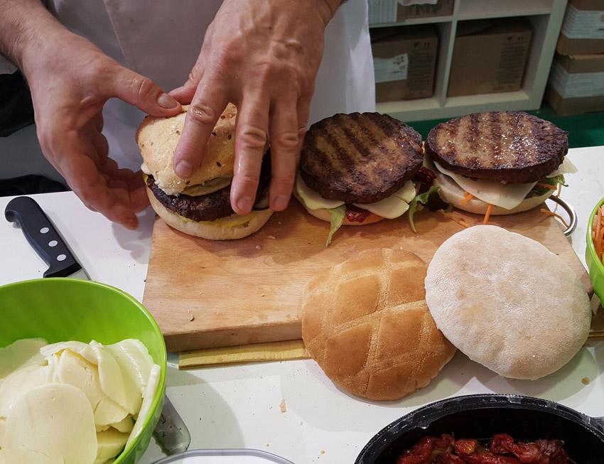 L'azienda Baldi al Gustus di Napoli …e l'hamburger gourmet incontra il cioccolato