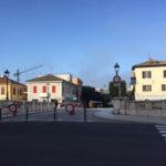 SENIGALLIA / Sul Ponte 2 Giugno arrivano le barriere anti-affollamento per evitare possibili incidenti