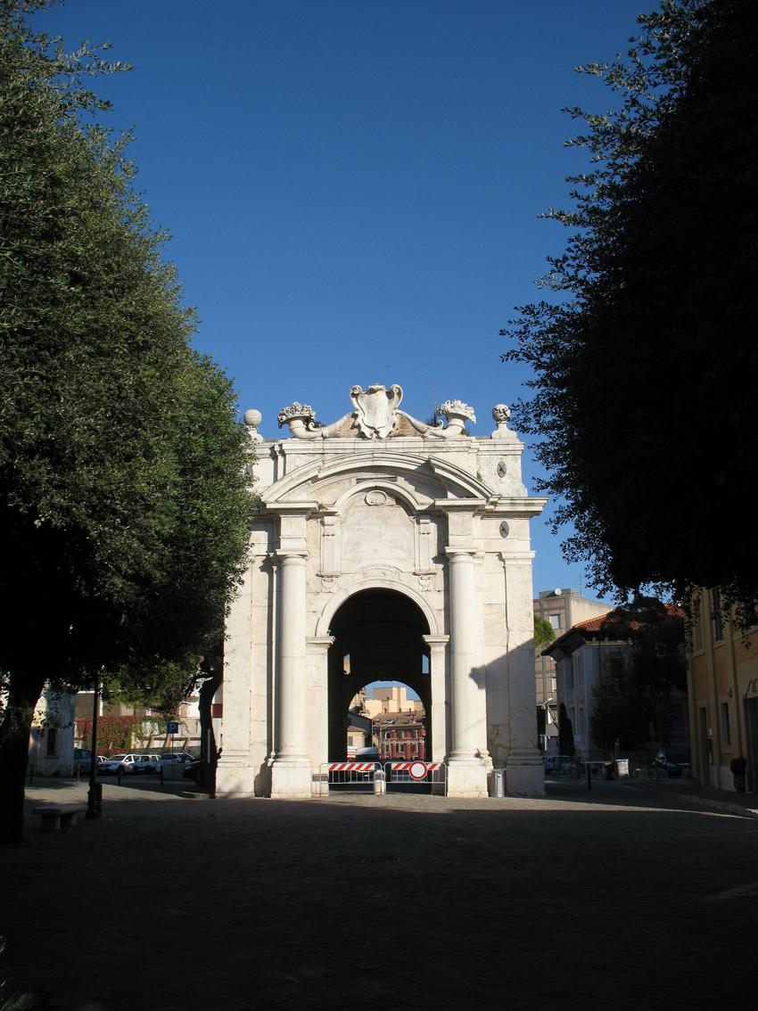 SENIGALLIA / Domenica pomeriggio a Porta Lambertina la settima Maratona di poesia