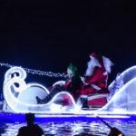 Domenica Babbo Natale arriva in canoa, in bicicletta e di corsa