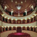 SAN COSTANZO / Al Teatro della Concordia va in scena La ragazza con la valigia