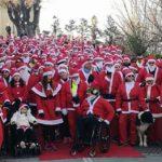 A piedi e in bicicletta, in piazza Babbi Natale da record