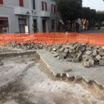 SENIGALLIA / Avviati (finalmente) i lavori per sistemare il selciato all'incrocio tra via Carducci e via XX Settembre