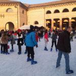 SENIGALLIA / La pista di pattinaggio sul ghiaccio ha fatto subito centro, ma serve maggiore sicurezza