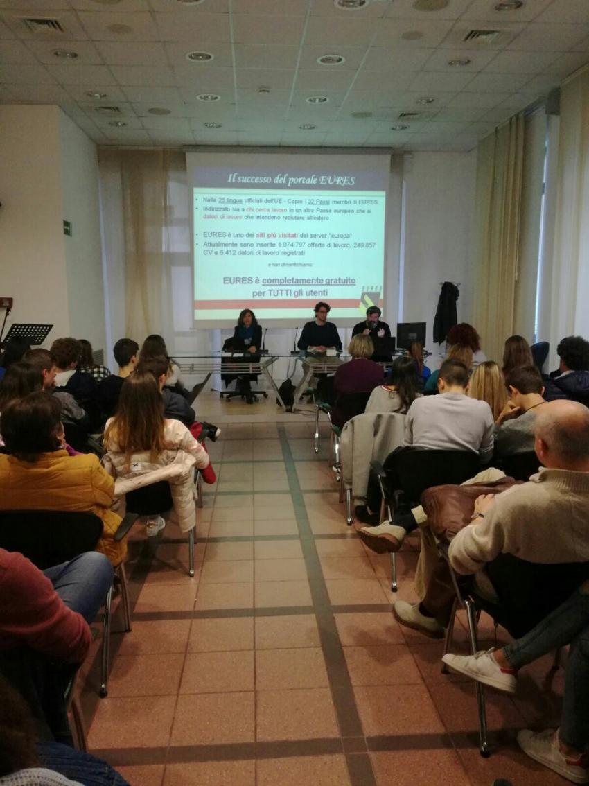 FALCONARA / Incontri ed eventi per orientare i giovani verso il futuro ed il mondo del lavoro