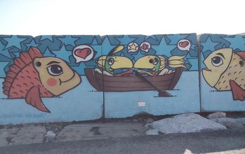 I colori della Street Art sui massi del molo di San Benedetto del Tronto