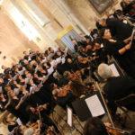 I cori Filarmonico Rossini e Santa Maria delle Grazie di Pesaro hanno offerto a Serra San Quirico un momento religioso e musicale difficile da dimenticare
