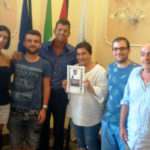 Da Roma e Milano in vacanza a Senigallia, ricevuti dal sindaco alcuni turisti che da anni rinnovano il loro legame con la Spiaggia di Velluto