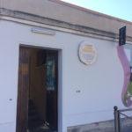 La targa che intitola lo stadio di Senigallia a Goffredo Bianchelli spostata all'ingresso degli spogliatoi