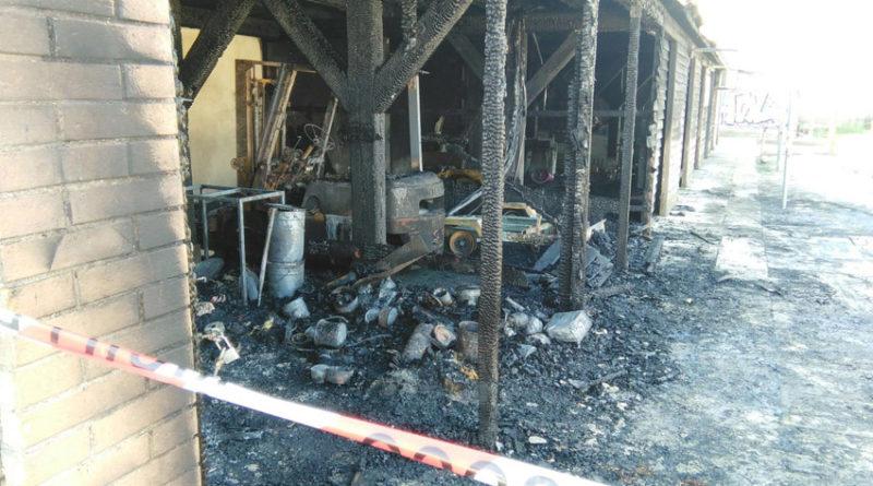 A sei mesi dall'incendio una delle più belle aree turistiche della città resta nel totale abbandono