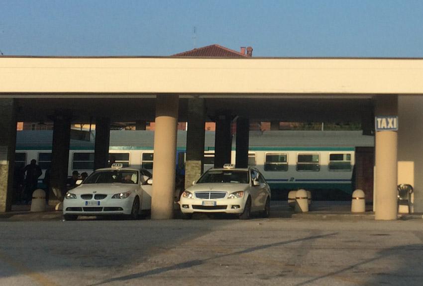 Travolto dal Freccia Bianca tra le stazioni di Marina e Marzocca, muore un quarantaquattrenne di Chiaravalle