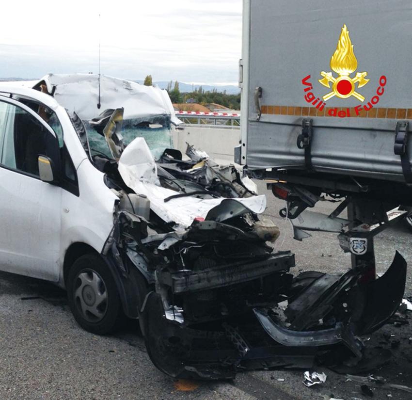 Autostrada bloccata tra Montemarciano e Senigallia dopo un tragico incidente