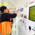 Sconti sulla spesa in cambio di bottiglie in pet, apre il riciclia point al NaturaSì di Senigallia