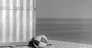 """A Senigallia, città della fotografia d'autore, arriva """"La realtà ingannata"""", una grande mostra con opere di Ferroni, Giacomelli e Salvalai"""