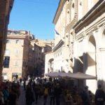 """""""A Urbino Gambini snobba gli studenti ma senza di loro balzerebbe agli occhi il dramma di un centro storico desertificato"""""""