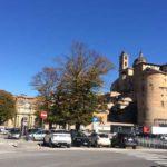 """""""Ma a Urbino non ci sono giovani che cercano lavoro?"""" Ed esplode la polemica"""