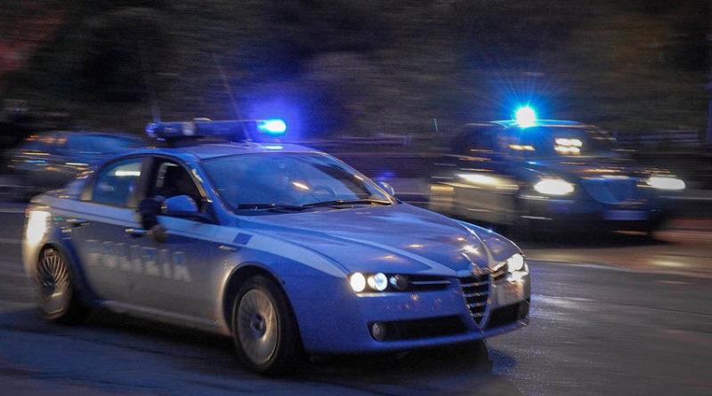 Nell'auto con un etto e mezzo di cocaina: arrestati dagli agenti della squadra mobile