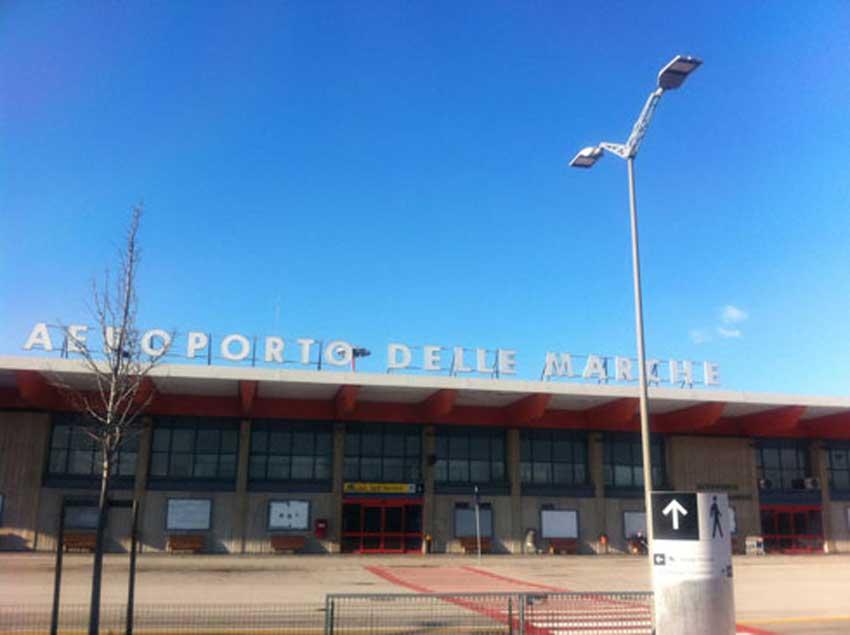 """Aeroporto Urbino : Sandro zaffiri """"solo con una nuova società si riuscirà a"""