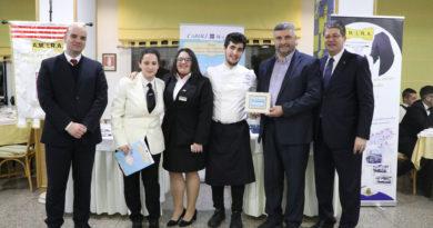Gli allievi degli Istituti Alberghieri di Senigallia, Loreto e Pesaro protagonisti a Gallipoli nel IV Concorso nazionale Caroli Hotels