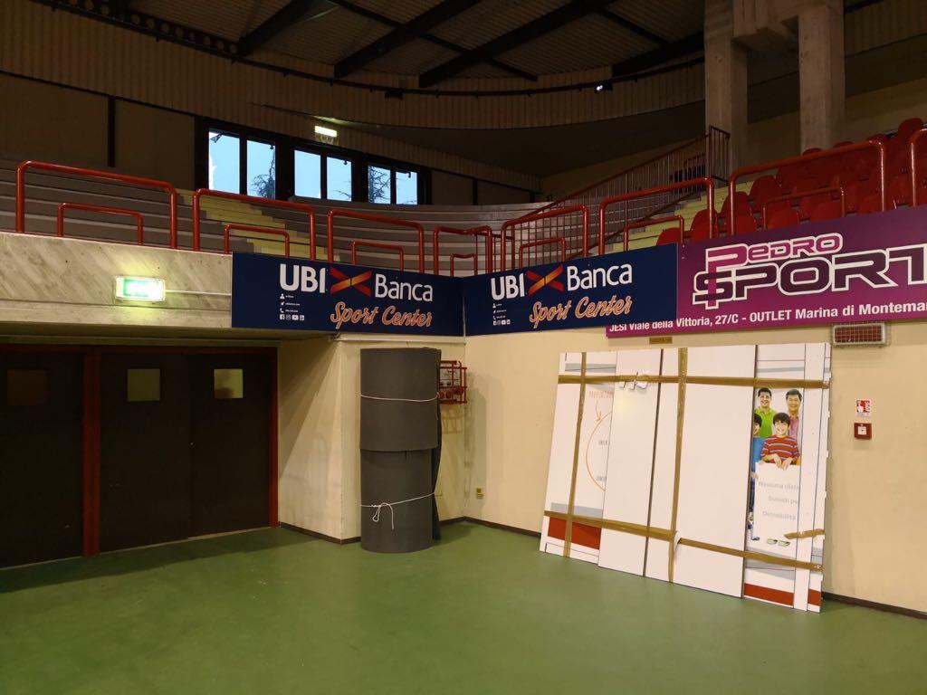 Banca Nazionale Di Lavoro Trieste : Ubi banca sport center rinnovata tutta la cartellonistica del