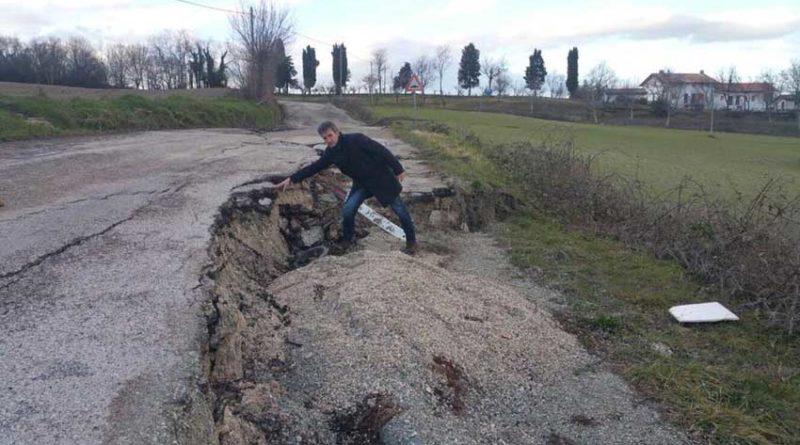 """A Pergola strade disastrate da neve e ghiaccio, Baldelli: """"Dalla Provincia un primo passo ma fondi insufficienti per ripristinare la viabilità"""""""