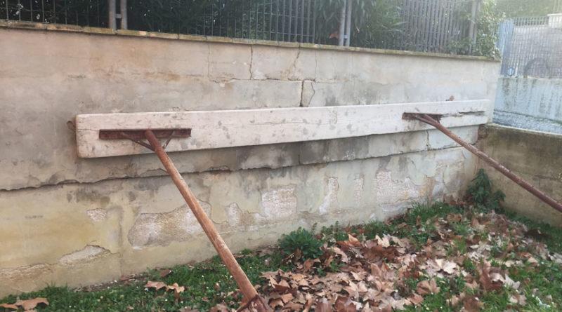 """""""A Corinaldo la scuola primaria Santa Maria Goretti ha bisogno di un immediato intervento di manutenzione"""""""
