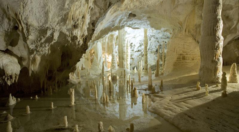 San Valentino alle Grotte di Frasassi: in palio un soggiorno per due ...