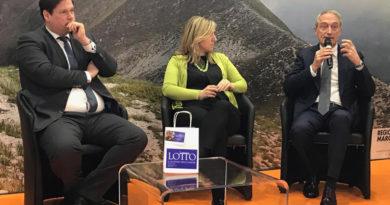 Luca Butini ha presentato alla Bit di Milano il biglietto unico con cui ammirare le opere di Lorenzo Lotto nelle Marche