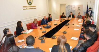 Visita di studio in Consiglio regionale degli studenti dello Ial di Falconara